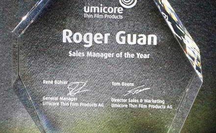 Award Pilatus mit Klarglassockel - Sales Award