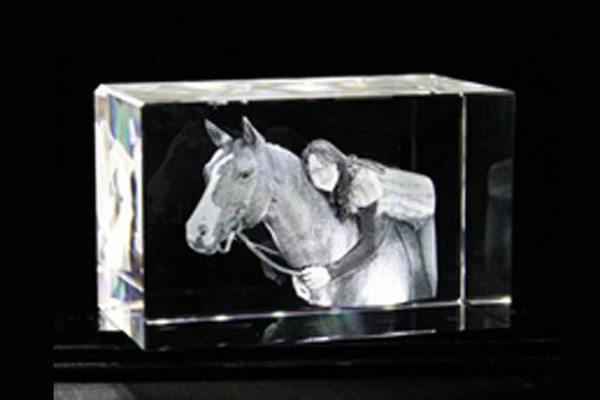 Kristallglas mit 3D-Fotoumwandlung