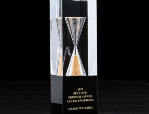 Sanduhr-Award aus Kristallglas